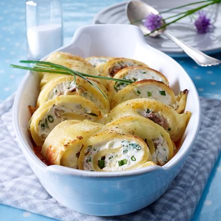 Crespelle mit Parmaschinken- und Frischkäsefüllung in Tomatensoße Rezept