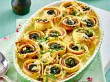 Crespelle mit Spinat-Schinken-Füllung und Frischkäsesoße Rezept
