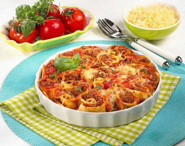 Crespelle mit Tomaten-Hack-Füllung Rezept
