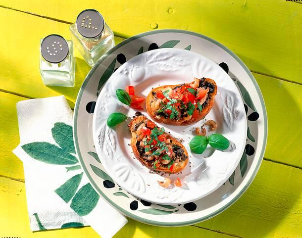 Crostini mit Olivenpaste Rezept
