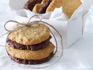 Crunchy Erdnuss- & Schoki-Cookies Rezept