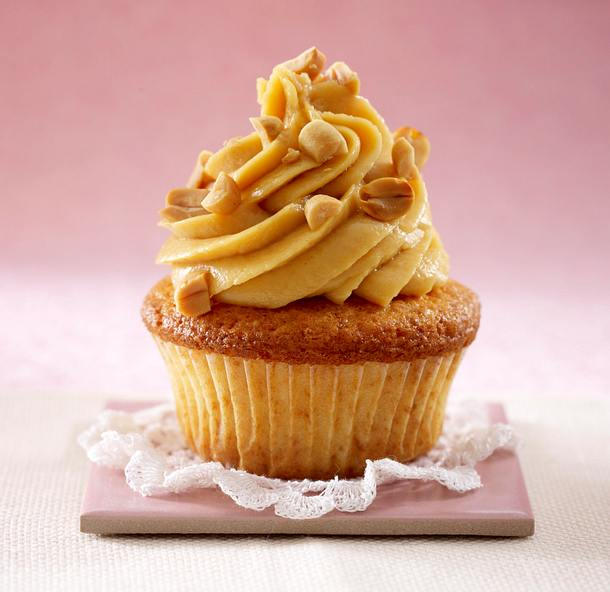 Cupcakes: Erdnussbuttercreme mit gerösteten Erdnüssen Rezept