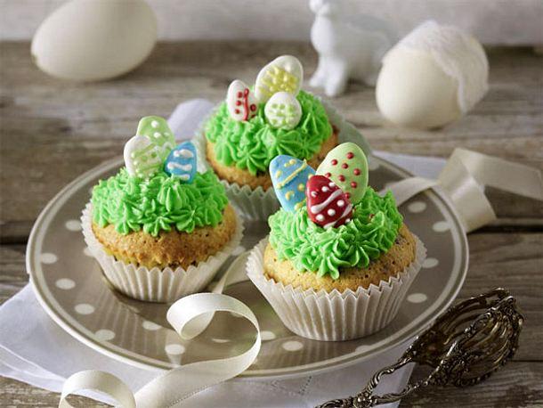 http://www.lecker.de/media/redaktionell/leckerde/rezeptsammlungen/ostergebaeck/hbv_944/cupcakes.jpg