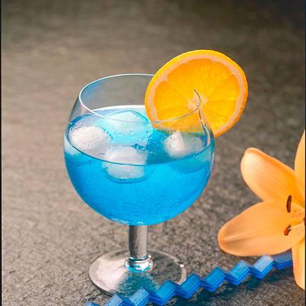 Curaçao mit Tonic Rezept