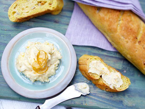 Curry-Baguette mit Orangen-Meerrettich-Butter Rezept