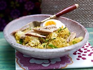 Curry-Bratreis mit Makrele und Ei Rezept