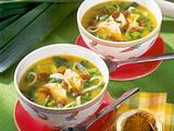 Curry-Lauch-Suppe mit Hähnchen Rezept