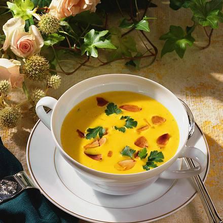 Curry-Rahmsuppe mit Mandeln Rezept