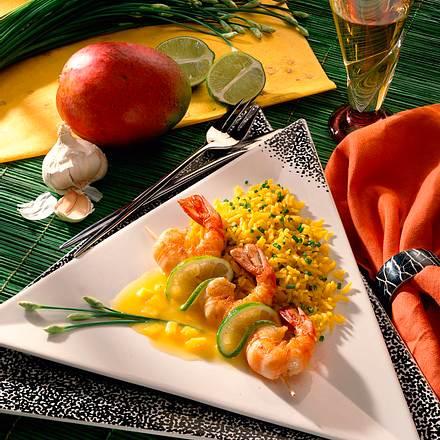 Curry-Reis mit Scampi-Spieß und Mango-Soße Rezept
