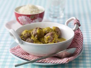 Dänische Fleischklöße in Currysoße (Zwergenküche) Rezept