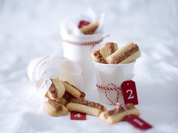 Dattel-Marzipan-Stangen Rezept