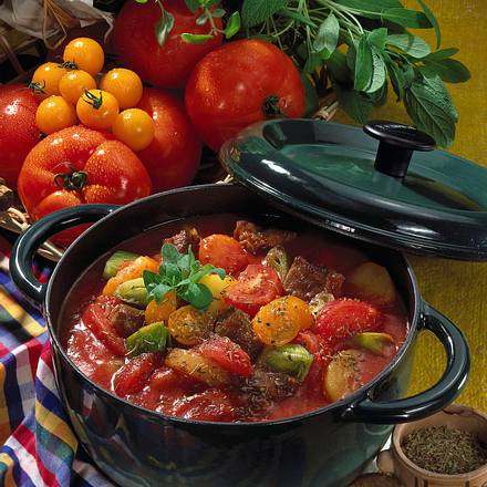 Deftiger Tomaten-Topf Rezept