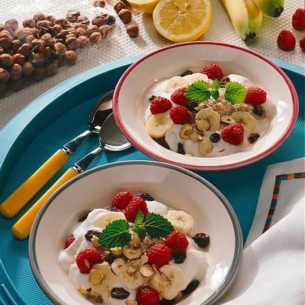 Dinkelmüsli mit Früchten Rezept