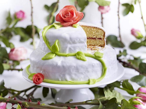Hochzeitstorten Selbstgemacht Pictures to pin on Pinterest