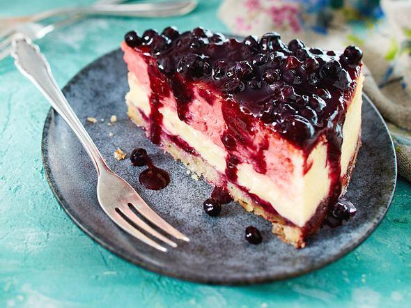 Double-Cheesecake mit Blaubeeren Rezept