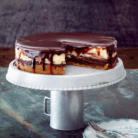 Double-Cheesecake mit Karamell und Schokoguss Rezept