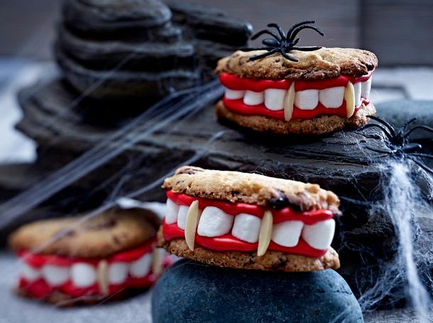 Draculas Cookies mit Biss  Rezept