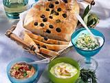 Dreierlei Schafskäse mit Olivenbrot Rezept