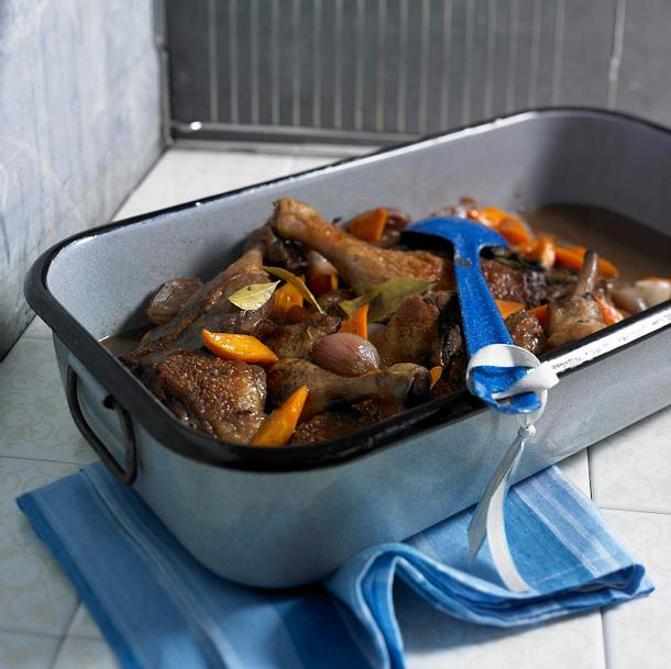 Duck au vine (Entenkeulen in Rotwein)  Rezept