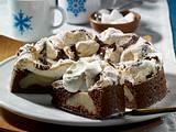 Dunkle Schneemousse-Torte mit Birne Rezept