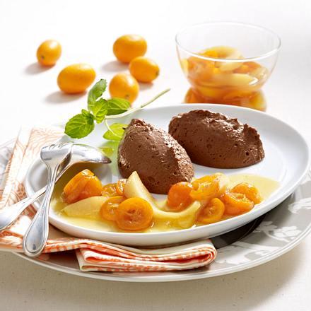 Dunkle Schokomousse mit Kumquat-Birnen-Kompott Rezept