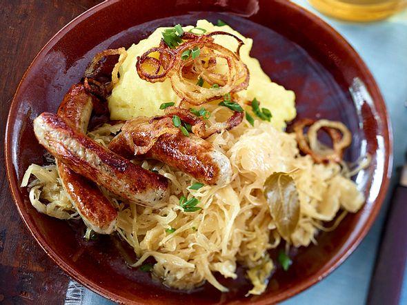 Easy Nürnberger zu Sauerkraut und Kartoffel-Senf-Püree Rezept