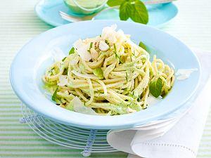 Easy-peasy-Nudel mit grünem Joghurtpesto Rezept