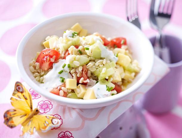Ebly-Salat mit Käse-Schmetterlingen und -Blüten Rezept
