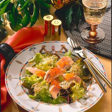 eichblattsalat mit ger uchertem forellenfilet rezept. Black Bedroom Furniture Sets. Home Design Ideas