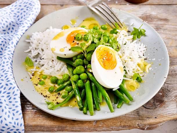 Eier in Currysoße