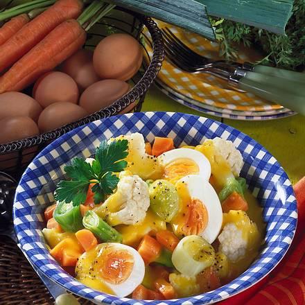 Eier in Gemüse-Senf-Soße Rezept