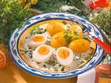 Eier in Kräutersoße Rezept