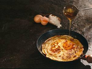 Eier-Pfannkuchen mit Ahornsirup Rezept