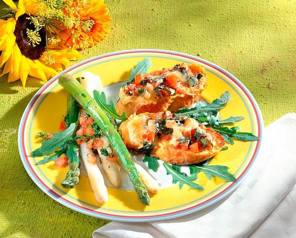 Eierbrottörtchen mit Spargelsalat Rezept