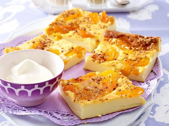 Eierlikör-Käsekuchen mit Aprikosen Rezept
