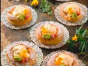 Eierlikörcreme und Marzipanfiguren Rezept