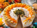 Eierlikörsahnetorte mit Pfirsichen Rezept