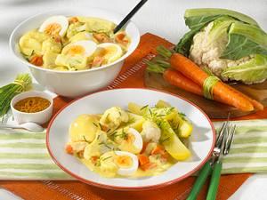 Eierragout mit Blumenkohl und Möhren in Currysoße Rezept