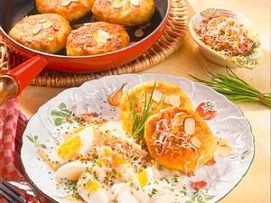 Eierragout mit Kartoffelbuletten Rezept