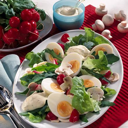 Eiersalat mit Senf Joghurt Dressing Rezept