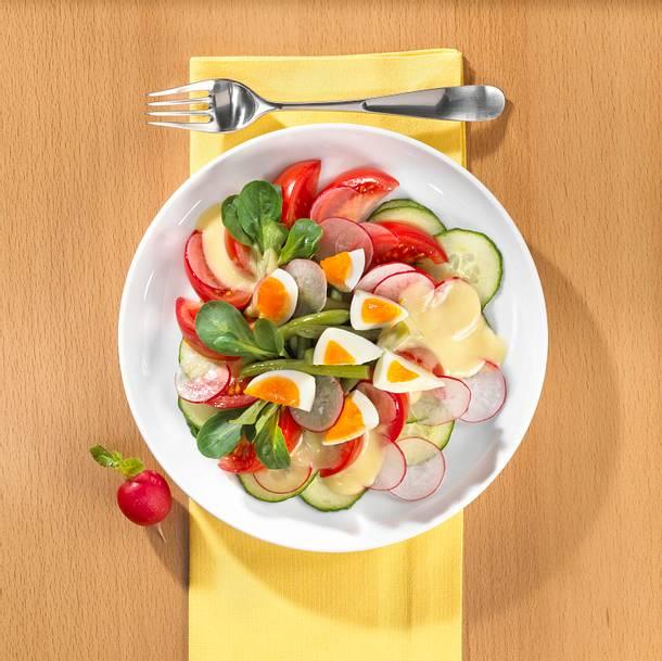 Eiertatar mit Salatbeet Mittagessen (kalorienarm) Rezept
