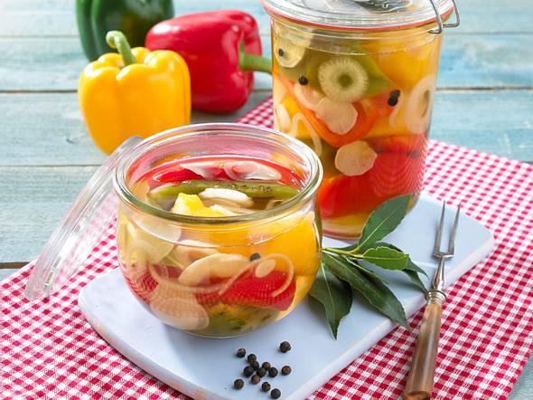 Eingelegte bunte Paprika Rezept