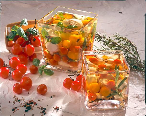 Eingelegte Mozzarella-Tomaten in Öl Rezept