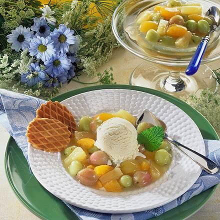 Eis auf gemischten Früchten Rezept