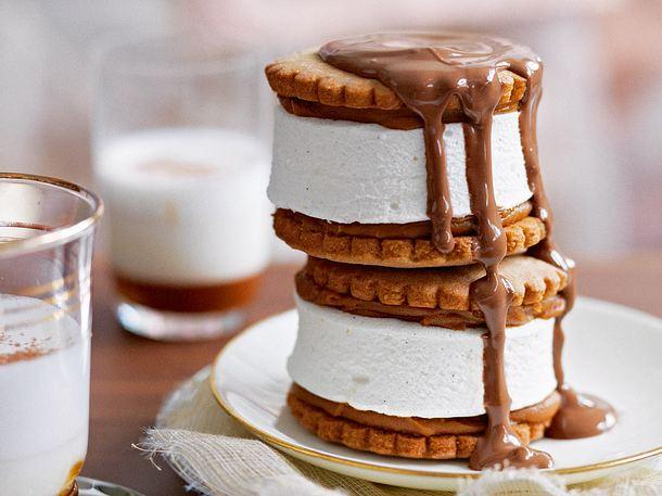 Eis-Karamell-Sandwich mit Chai-Schokosoße Rezept