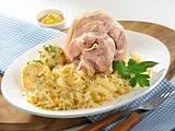 Eisbein mit Krautsalat und Klößen Rezept