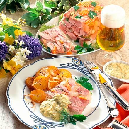 Eisbeinsülze mit Senfgurke und Silberzwiebeln Rezept