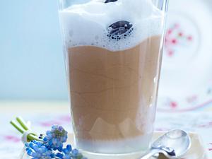 Eiskaffee-Mousse mit zartem Milchschaum Rezept