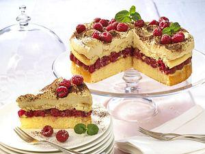 Eiskaffee-Torte mit Himbeeren Rezept