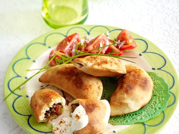 Empanadas (Teigtaschen) mit Salat Rezept